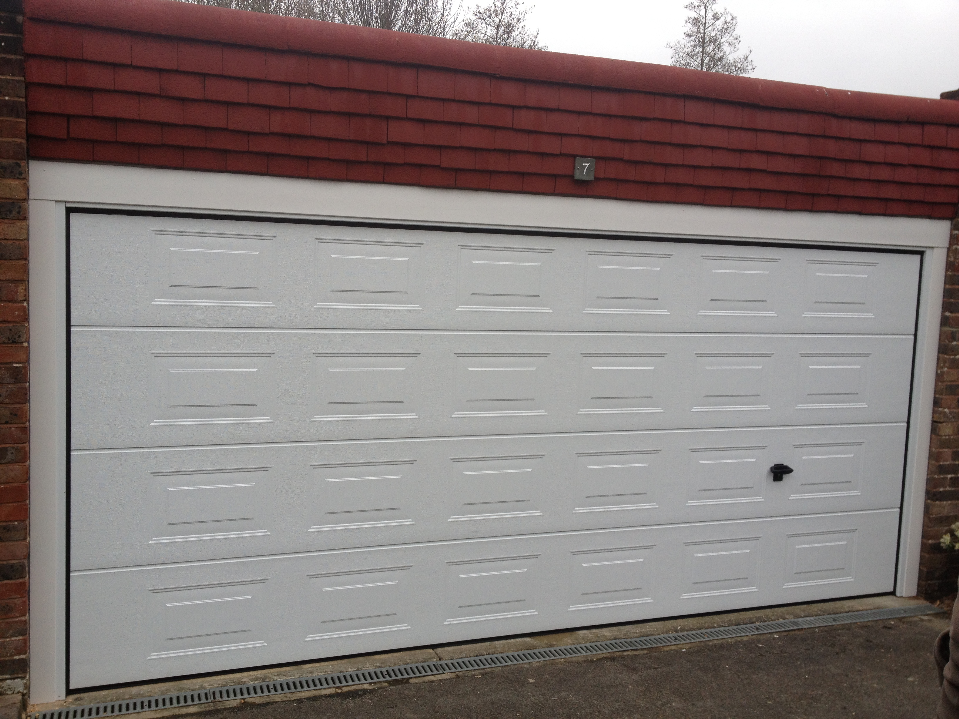South East Garage Doors Repairs Replacement Services To East